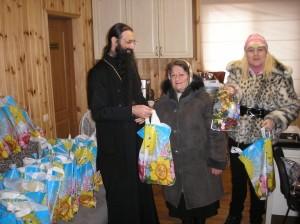 Помощь детям с ограниченными возможностями собрали и передали прихожане Кафедрального собора