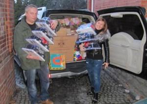 Ко дню св. Николая семья предпринимателей Джундиет передала для детей мешок с подарками