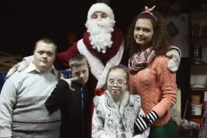 ВОЛИНСЬКА ЄПАРХІЯ. Волонтери завітали до дітей з інвалідністью