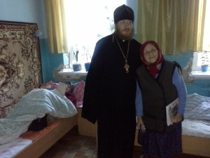 КИЇВСЬКА ЄПАРХІЯ. Представники Бишівського благочиння на Світлому тижні відвідали соціальні установи району
