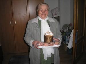 КИЕВСКАЯ ЕПАРХИЯ. Поздравление и раздача пасхальных куличей, сладостей в Киевском доме престарелых