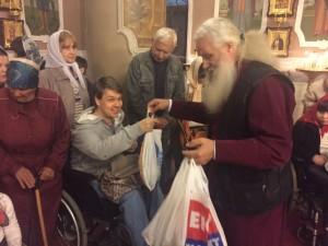 КИЕВСКАЯ ЕПАРХИЯ. В храме Покрова Пресвятой Богородицы Оболонского благочиния состоялся ежегодный пасхальный молебен для детей инвалидов Оболонского района.