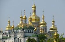 Братия Киево-Печерской Лавры помогает многодетным семьям