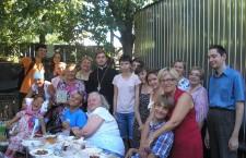 КИЕВСКАЯ ЕПАРХИЯ. Встречи у костра. Семьи инвалидов в клубе семейного отдыха при Кафедральном соборе