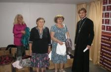 КИЕВСКАЯ ЕПАРХИЯ. Выдача гуманитарно-вещевой помощи неимущим в галерее «Соборная»