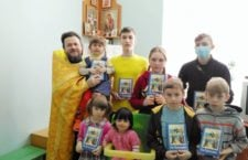 """СУМСЬКА ЄПАРХІЯ. """"У Всесвітній день боротьби з туберкульозом благочинний відвідав дітей туберкульозного відділення"""""""