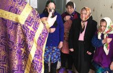 ГОРЛІВСЬКА ТА СЛОВ'ЯНСЬКА ЄПАРХІЯ. Священик здійснив таїнство Причастя в будинку для літніх людей міста Торецькому (Дзержинськ)